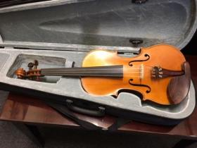 Front view of a Brevete 4/4 Violin for sale at adamsmusic.com