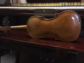 Pfretzschner 4/4 violin back at adamsmusic.com