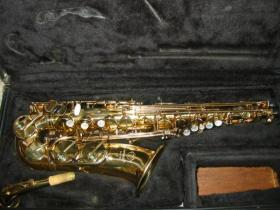 Selmer Mark VII saxophone, right side, in case, at adamsmusic.com