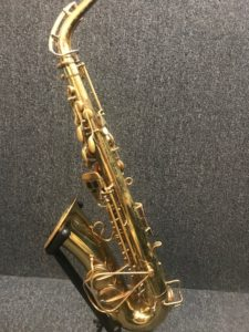 Selmer Signet alto sax 46917 at Adam's Music Los Angeles-5